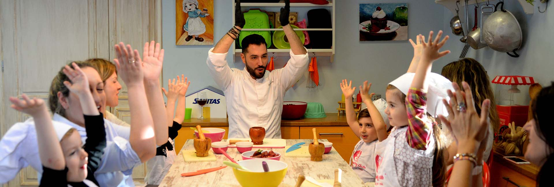 KIDS COOKING CLUB